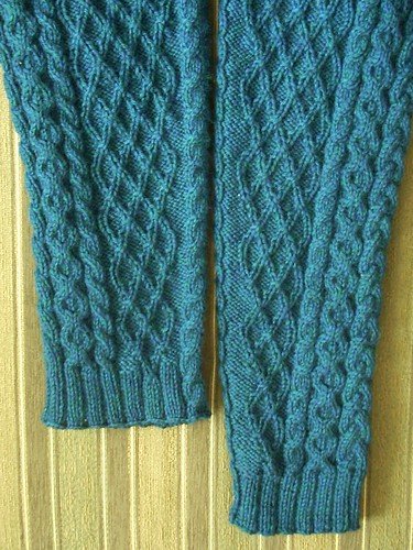 """Mystic"" sweater: reknitting sleeves by Asplund"