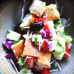 meal(0.0), greek salad(0.0), produce(0.0), panzanella(1.0), salad(1.0), vegetable(1.0), vegetarian food(1.0), food(1.0), dish(1.0), cuisine(1.0),