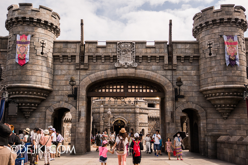Tokyo DisneySea - Mediterranean Harbor / Fortress Explorations / Grand Gateway
