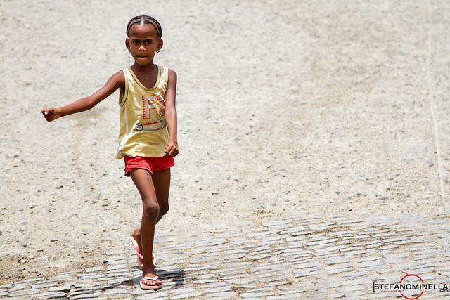 Walking Girl - Espargos