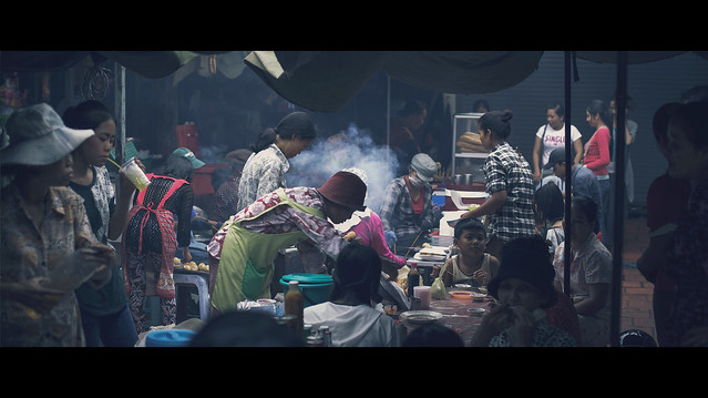Lively scene - The Market - Cinematic Street Photography