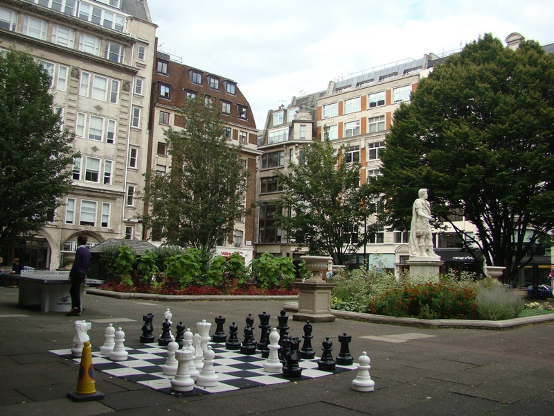 London chess pieces