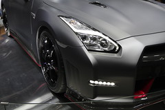 12_NISMO_GT-R_front_right_part