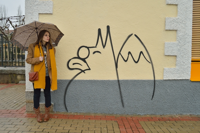 lara-vazquez-madlula-blog-style-chic-mustard-scarf-brown-boots-winter