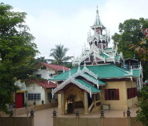 TH-Mae Sariang-Wat Si Bunruang (8)