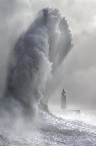 Lighthouse Wave - Porthcawl