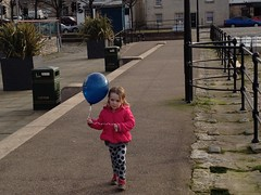 Anna and the balloon