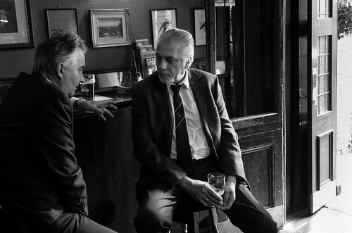 Pub conversations, London