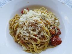 produce(0.0), italian food(1.0), bucatini(1.0), spaghetti(1.0), pasta(1.0), spaghetti aglio e olio(1.0), bolognese sauce(1.0), pici(1.0), food(1.0), dish(1.0), carbonara(1.0), cuisine(1.0),