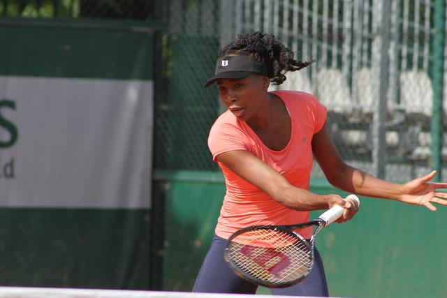 Venus Williams  Around the grounds at Roland Garros - day one: Venus, Serena, Berdych, Ferrer, Nadal... 14109783630 e42228d544 z