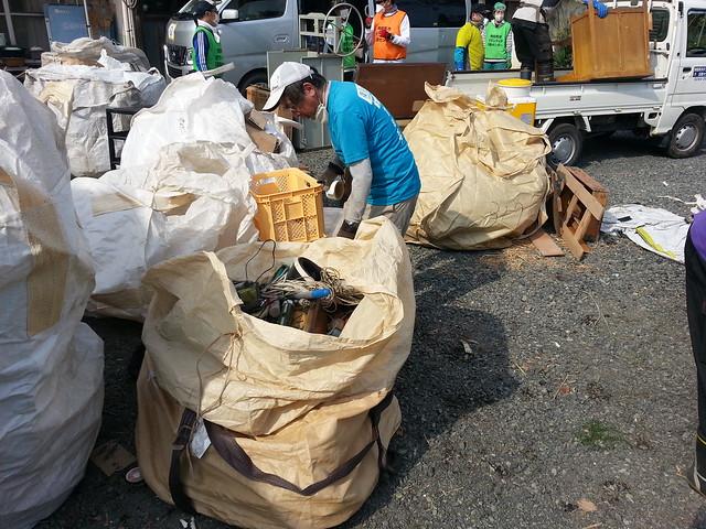 南相馬市小高区(避難指示解除準備区域)でボランティア(援人 2014年 0523便)