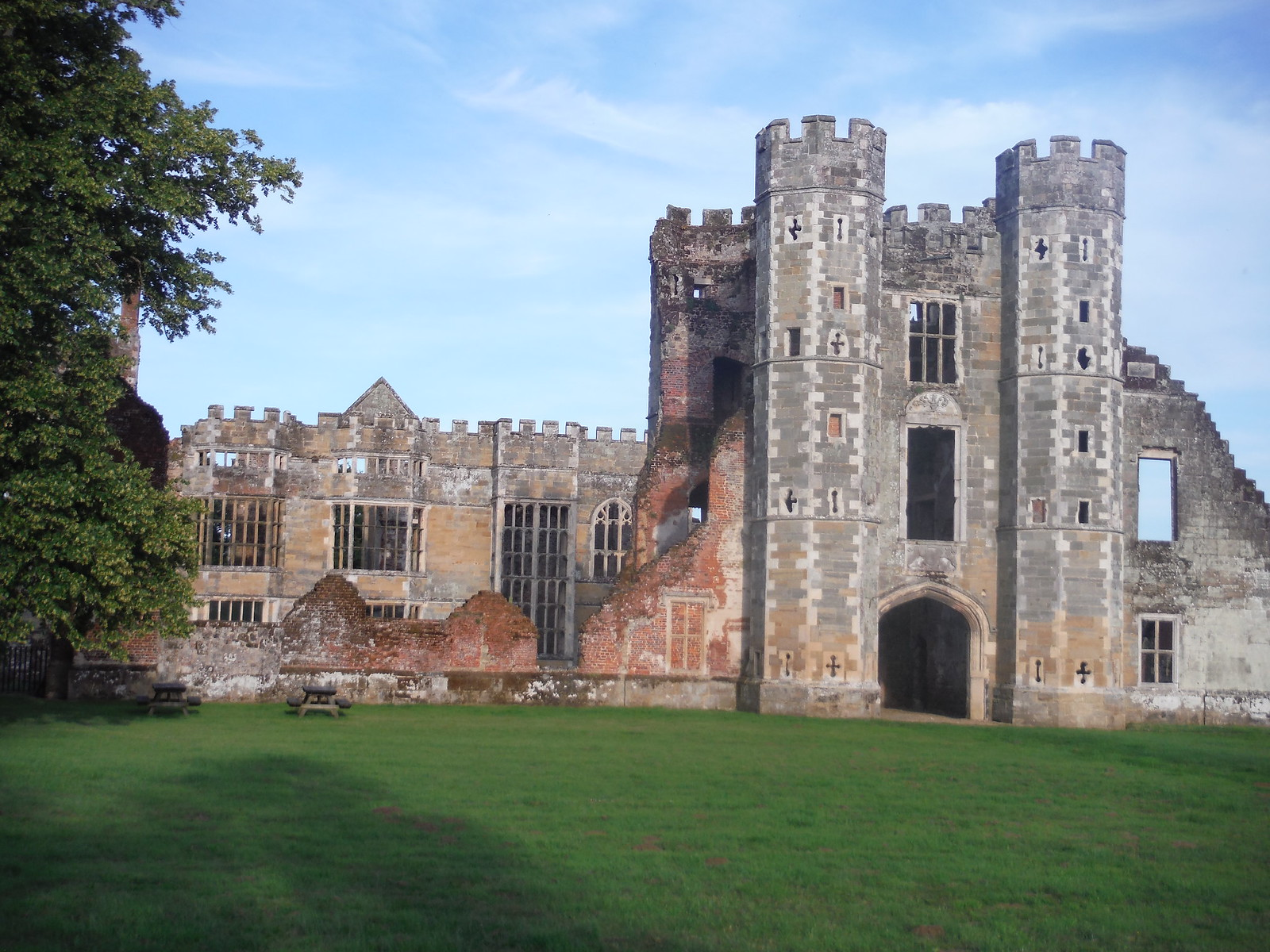 Cowdray Castle SWC Walk 217 Midhurst Way: Arundel to Midhurst