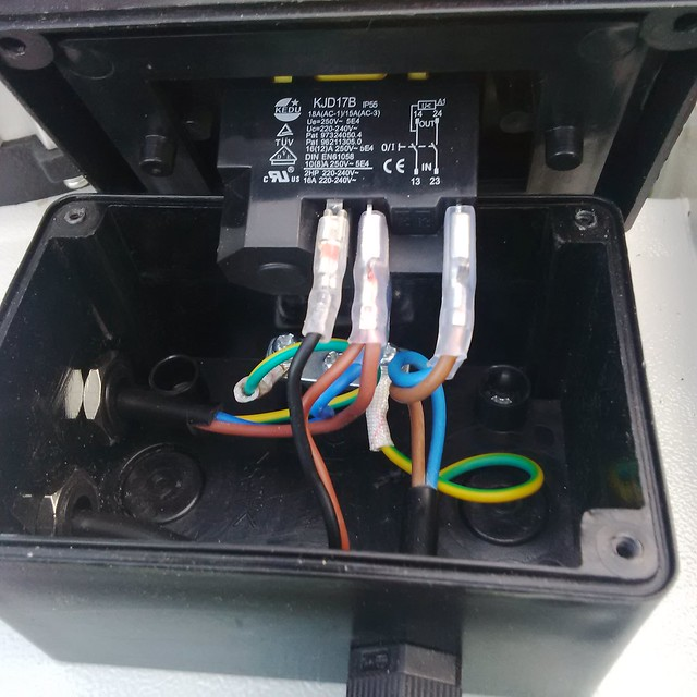 thewoodhaven2 u2022 view topic i don t want this nvr switch rh thewoodhaven2 co uk 2-Way Switch Wiring Diagram how to wire a nvr switch