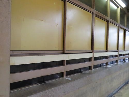 佐賀競馬場スタンド1階第2投票所付近の穴場跡地