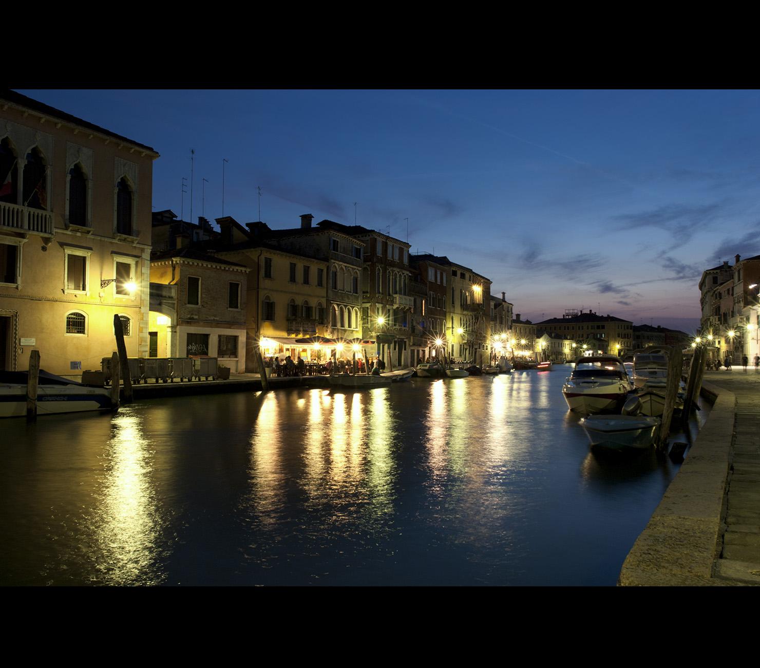2. Canal de Venecia. Una vista de cine. Ghetu Daniel