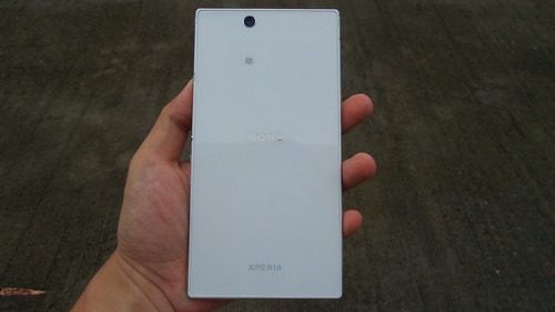 Sony Xperia Z Ultra ด้านหลัง