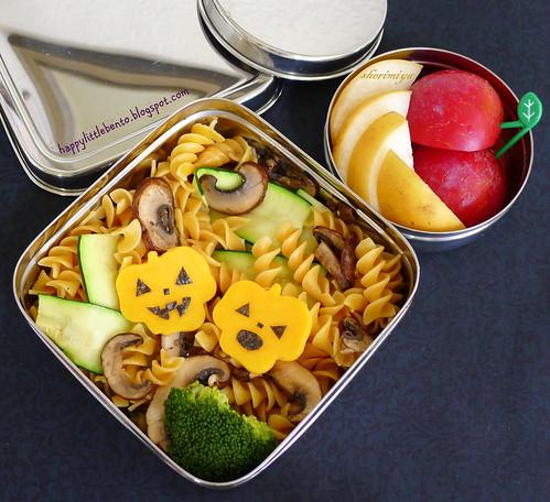 Jack o'cheese Pasta EcoLunchbox Halloween Bento by sherimiya ♥