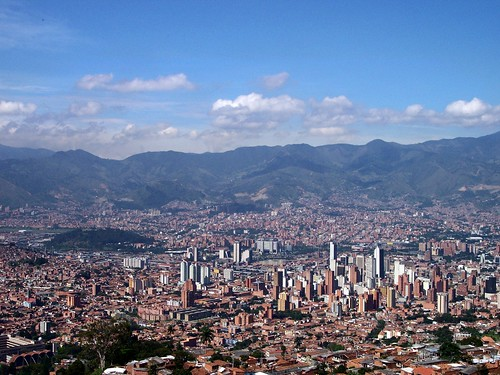 Medellin skyline (by: Jose Duque, creative commons)