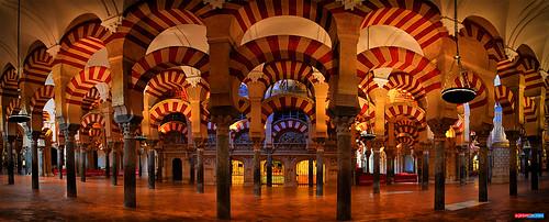 por un Mezquita/Catedral de todos