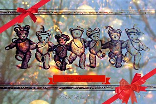 The FOLIES BEARGERE teddies wish you a good day