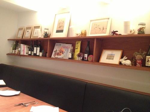 テーブル席はカフェっぽい@コンチェルト