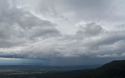 clouds cloudscape storm rain tamborinemountain sequeensland cloudy day australianweather australianlandscape countryside mounttamborine