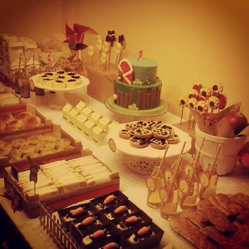 Oggi un #desserttable tutto speciale per un primo #compleanno ! Tema fattoria :) #party #partyplanning #thedesserttable #birthday #bday #bdayparty