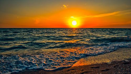 gulfofmexico nature landscape seascapes sunsets 100v10f fav20 beaches sunburst blueskies skyscapes fav30 fav15 gf1 fav10 fav25 views500 views200 views400 views300 sunsetmadness sunsetsniper