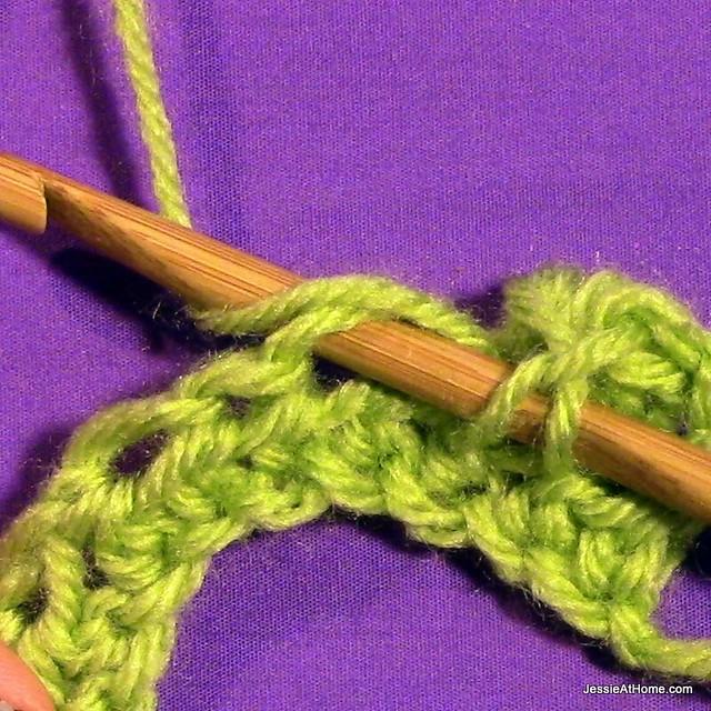 Puff-Stitch-insert-in-st-yo