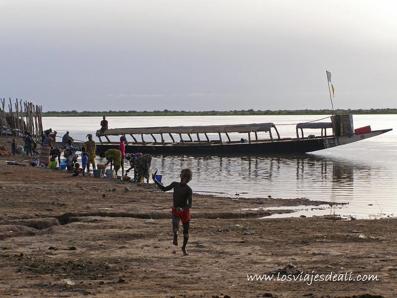 un pueblo del río Níger