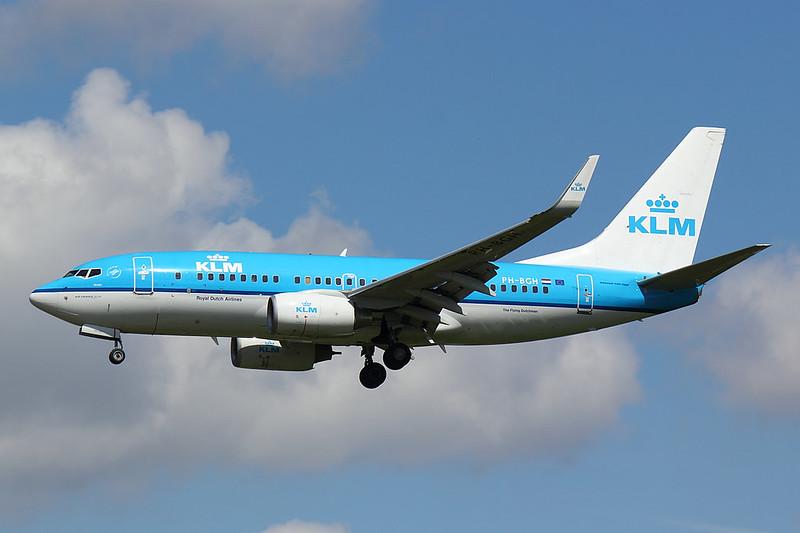 KLM - B737 - PH-BGH (1)