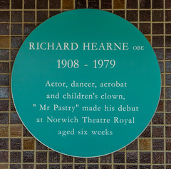 Photo of Richard Hearne and Theatre Royal, Norwich green plaque