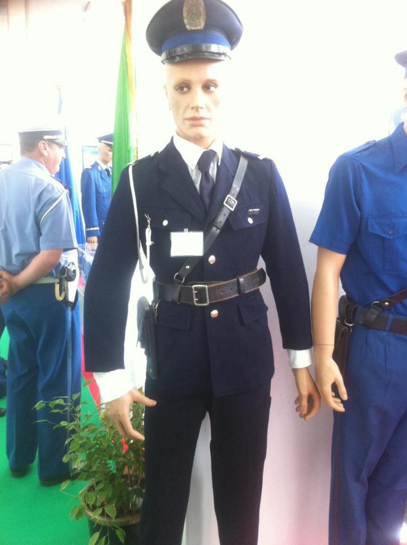 البذلات الجيش الوطني الشعبي الجزائري [ ANP / GN / DGSN / Douanes ]  - صفحة 9 32932714184_fd3254bbe2_o