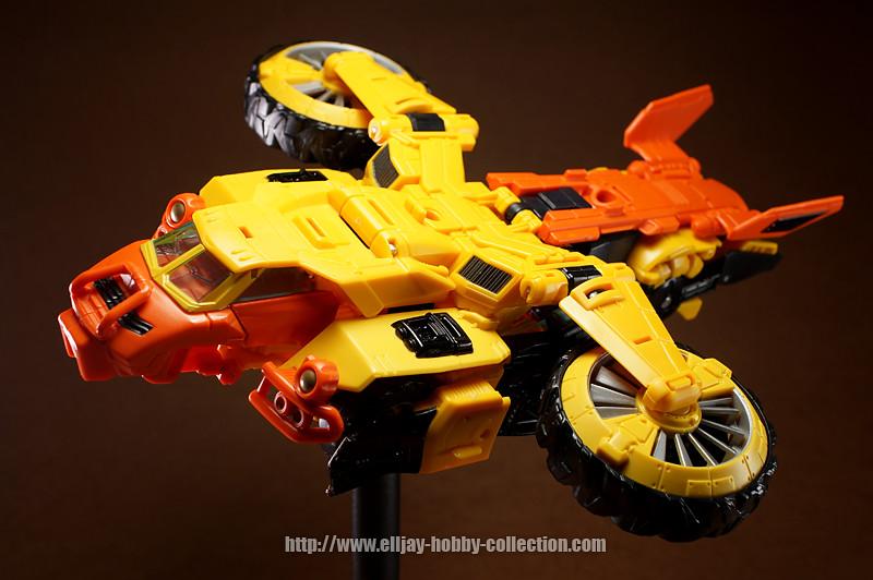 Transformers Generations Voyager - Sandstorm