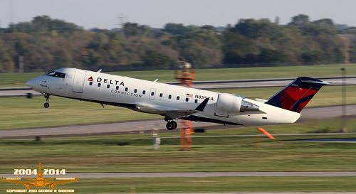 Aircraft (CRJ2) silhouette