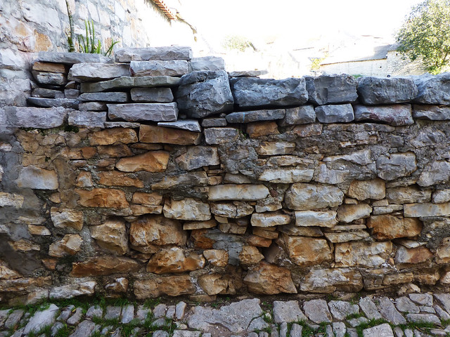 Wall in Solta