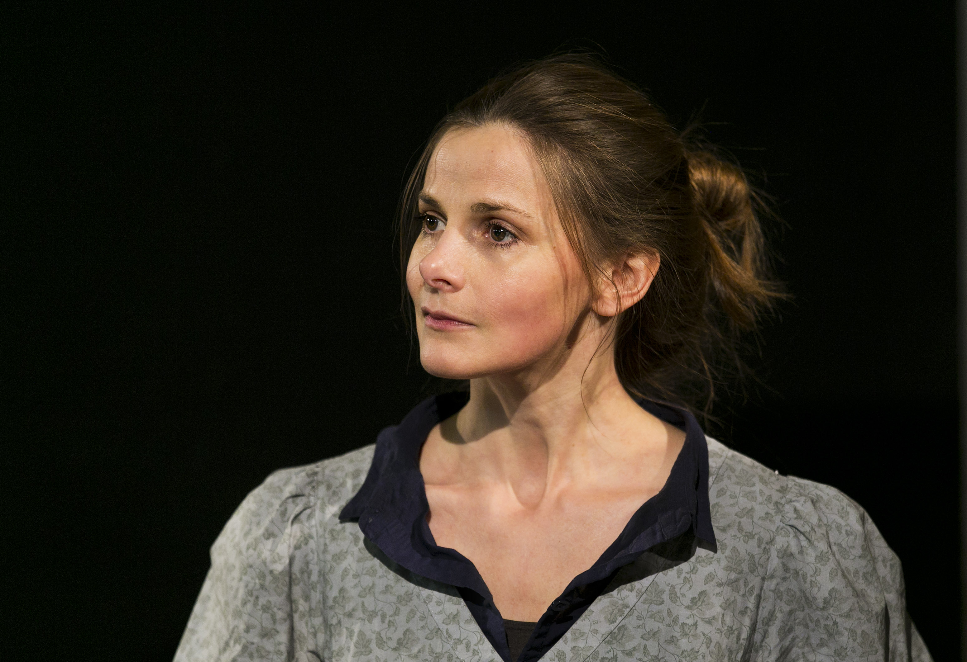 2 Louise Brealey as Miss Julie c. Eoin Carey