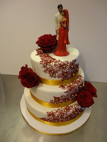 Henna Wedding Cake by CAKE Amsterdam - Cakes by ZOBOT
