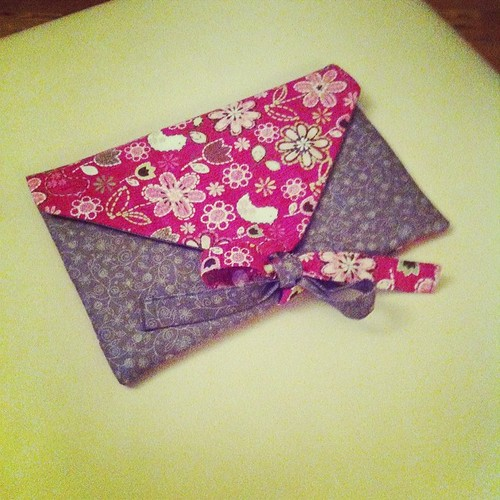 A little bit of sewing last night:) Un po' di cucito ieri sera:)