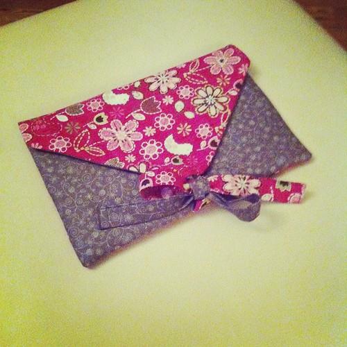 A little bit of sewing last night:) Un po' di cucito ieri sera:)