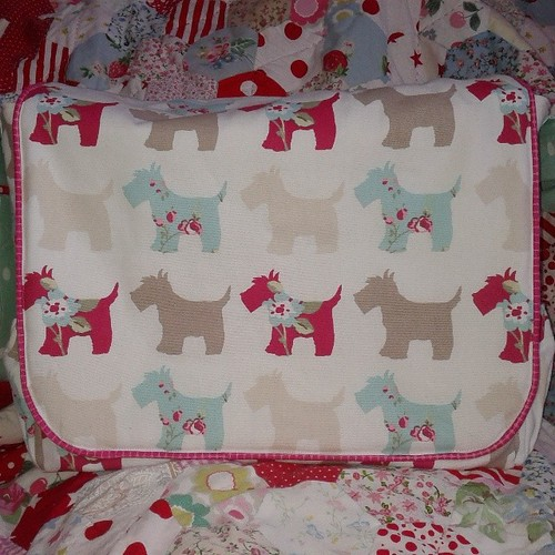 Wow, how lucky am i, this fantastic baby bag just arrived at mine from the lovely @the_littlest_thistle Thank you soooooo much Katy! X