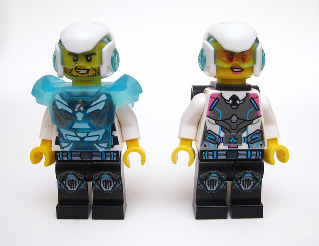 Review - 70173 Ultra Agents Ocean HQ από BRICKSET 19422556739_574be20380_z