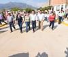 Beneficia Velasco a habitantes de Ángel Albino Corzo con infraestructura social y urbana