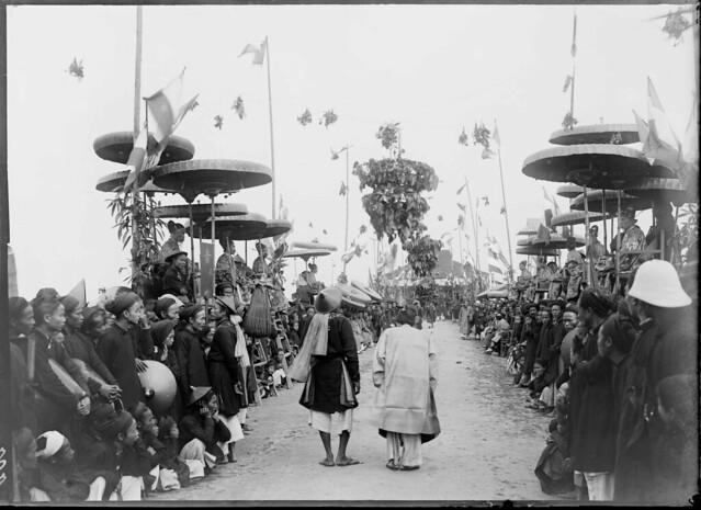 1897 Nam-Dinh - Concours triennal, défilé des lauréats devant les examinateurs