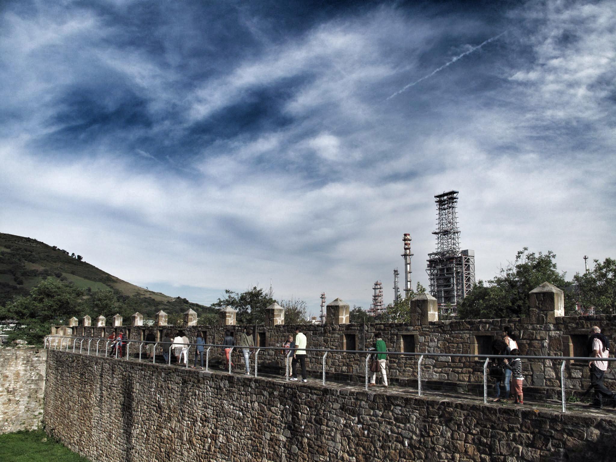 castillo de muñatones_paso de ronda_petronor