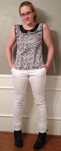 B&W Blouse with Peter Pan Collar & White Skinnies