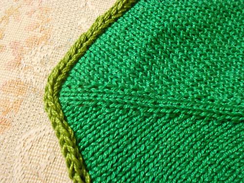 кайма на зеленой стороне