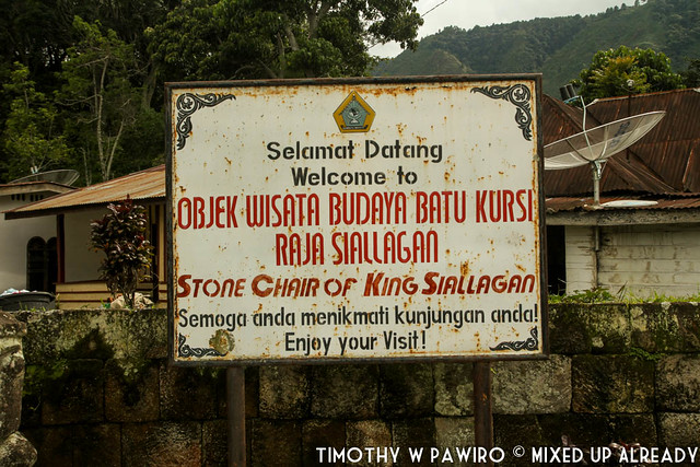 Indonesia - North Sumatra - Medan - Stone Chair of King Siallagan - Welcome signage