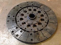 wheel(0.0), rim(0.0), manhole cover(1.0), clutch(1.0), circle(1.0),