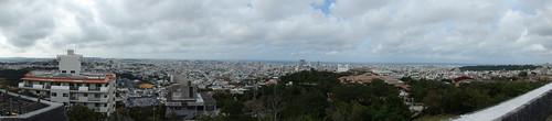 西のアザナより見える那覇市